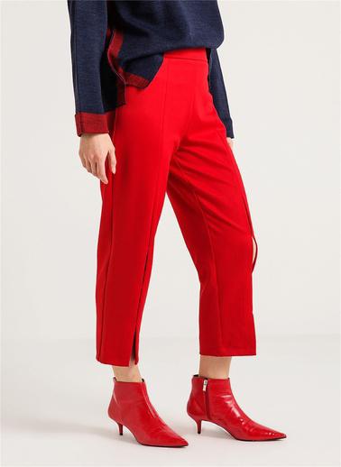 Rue Yırtmaçlı Kısa Pantolon Kırmızı